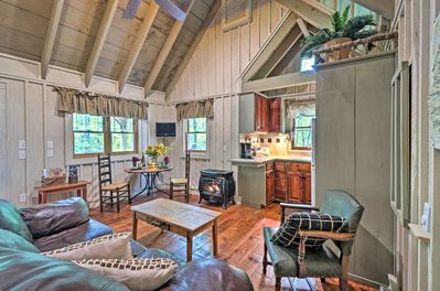 The 1-bedroom living space combines rustic and modern to meet all your needs.