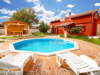 Photo for Beautiful and romantic pool villa, only 3 km from the beaches
