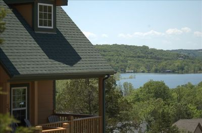The Lakeview Lodge