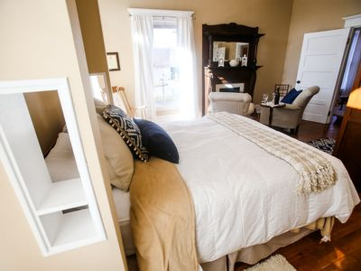 Unique, quiet, private, charming suite in the heart of downtown Huntington.