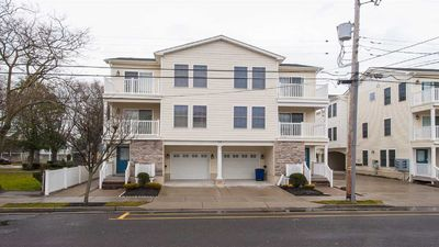 Photo for 4 Bedroom Townhome W/pool.  Only 2.5 Blocks To Convention Center