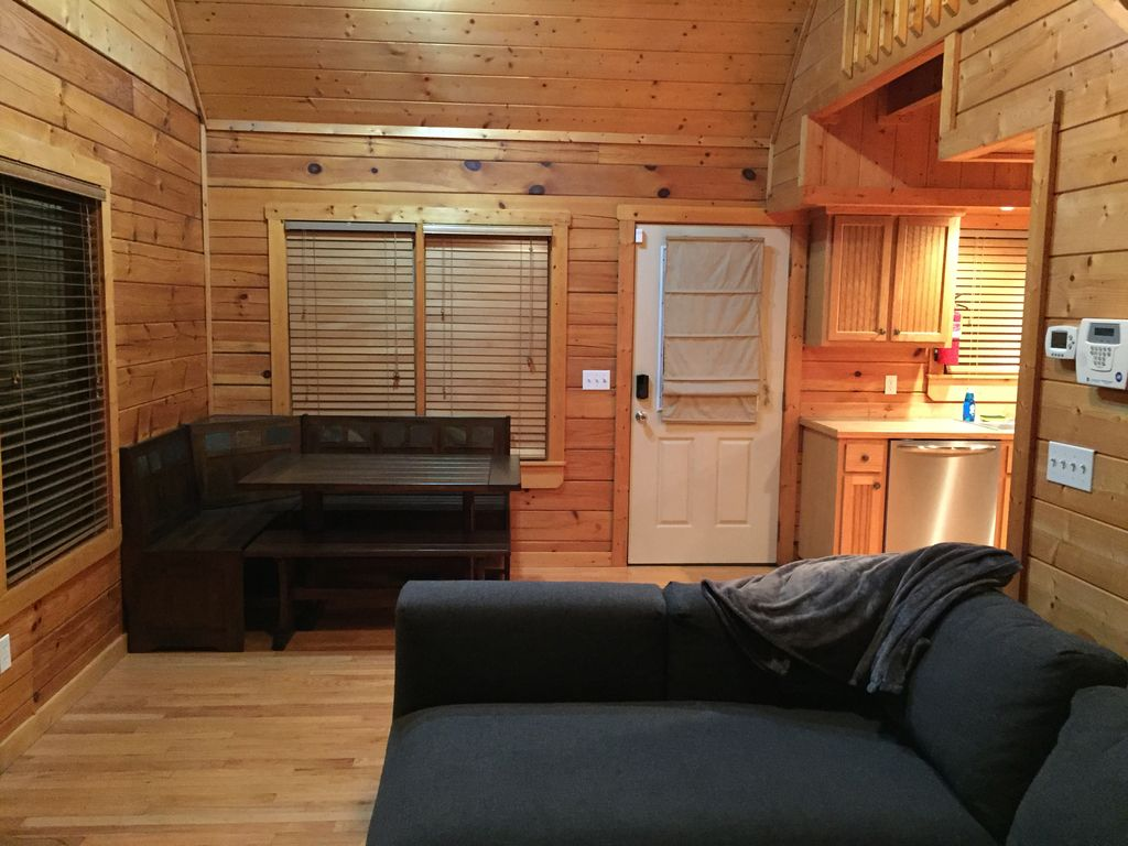 Real log cabin w secluded hot tub cozy loft wifi - Beautiful attic house projects striking the perfect balance ...