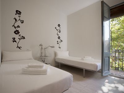 Photo for Apartment in Eixample with balcony in the center