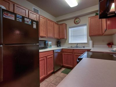 Big $avings this Winter! Riverside 2 BR, Walk to the Parkway, Virtual Arrival