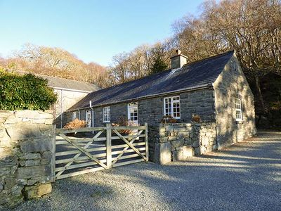 Photo for FARCHYNYS COURT COTTAGE, pet friendly in Barmouth, Ref 929754