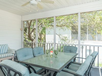 Photo for Breezy Pet-friendly cottage just steps away from the beach and restaurants
