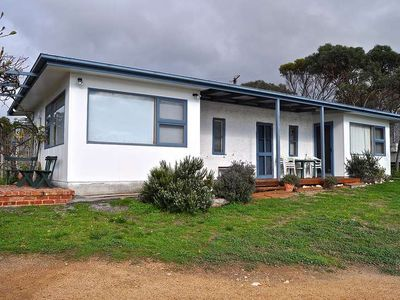 Photo for Hill's Shack is an original Coffin Bay 3 bedroom stone cottage set right on the Oyster Walk, just me