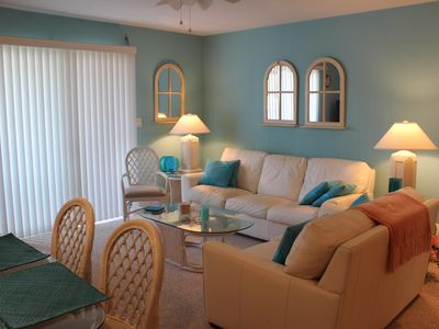 Photo for Gulfview, DogFriendly, 2 Br/2 Ba, Wi-fi, 2 Min. To Beach!