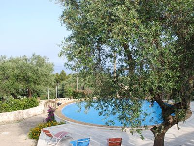 Photo for Characteristic apartment, with swimming pool and air conditioning just a few meters from the sea