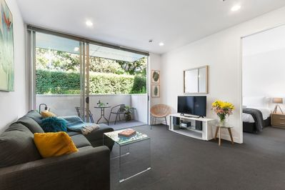 Secret Garden Apartment + Carpark - Auckland CBD