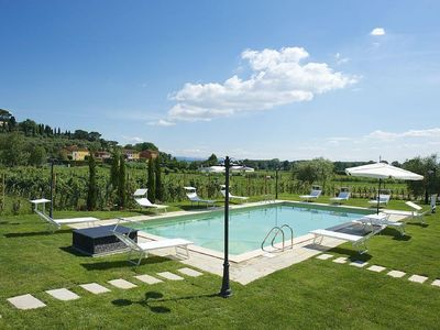 Photo for Luxury Tuscany Villa with Private Pool, 13 Sleeps. Lucca 10 km.