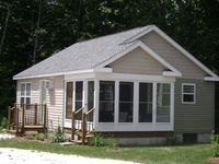 Fantastic location! Quiet yet convenient for day trips from Boston to Bath.