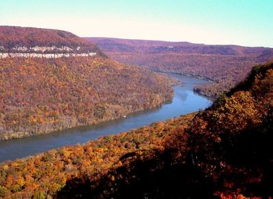 Beautiful Fall on the Tennessee River!