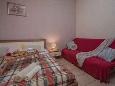 Photo for Vacation home Folo in Poreč/Tar - 2 persons, 1 bedrooms