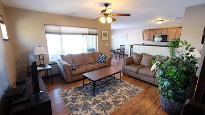 Okoboji Bridges Bay ~ Waterpark, Fishing & Family Fun with Private Backyard