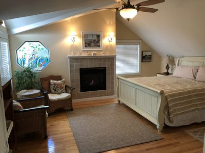 Photo for Charming Seabreeze Cottage