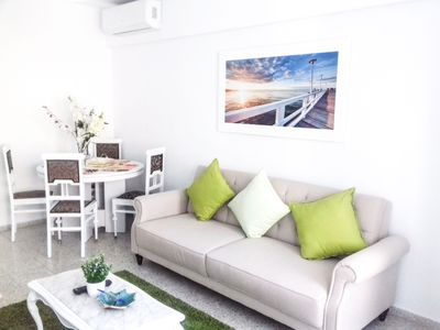 Photo for (s3)-Bright Modern 3 Bedroom Flat City Centre & Beach 10-12 minutes walk