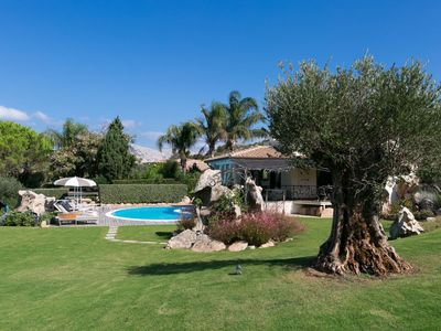 Photo for Elegant Privacy Confort Pool Garden Beach Parking