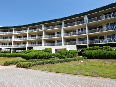 Photo for Charming 3rd Floor Condo! Sauna/Fitness Center/Pool/Tennis Courts/Meeting Space!
