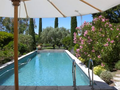 Photo for Provençal House, Cottage in Luberon, large terraces, garden + pool