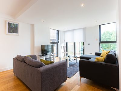 Photo for Spacious Two Bedroom Apartment in Maida Vale
