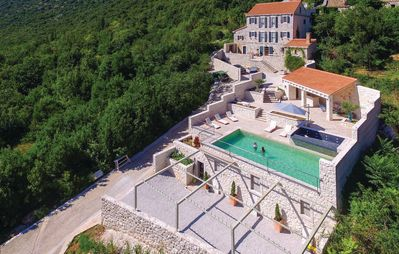 Photo for Amazing 5 bedrooms villa with swimming pool - 17th century - fully decorated