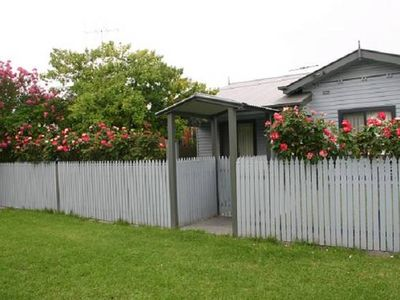 Photo for 3BR House Vacation Rental in Albury, NSW