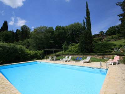 Photo for 10 minutes from Siena, pool, WIFI, A/C, sunny terrace, large garden