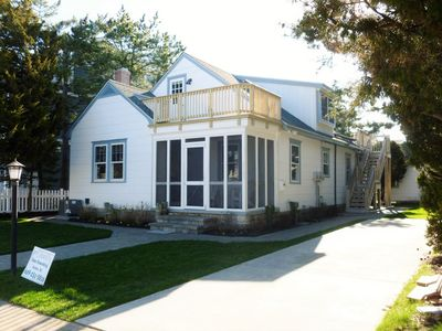 SUNDAY RENTAL!! PLEASE INQUIRE WITH AGENT FOR SPECIFIC AVAILABILITY!! JUST A WALK TO THE BEACH!