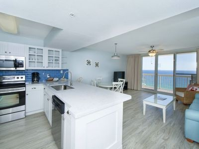 Cook meals while you overlook the beautiful Gulf views!