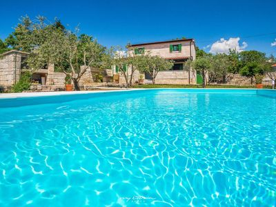 Photo for Rustic villa with pool near Zadar city