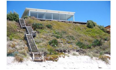 Photo for Luxurious Beachfront Sun Trap In The Clouds