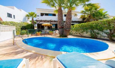 Photo for Vale do Garrao villa with gated Pool beside the beach A15