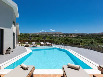 Photo for 4BR Villa Vacation Rental in Loutra, Rethymno