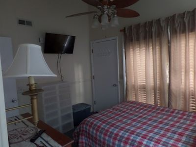Front Bedroom, Full size bed & flat screen HD TV