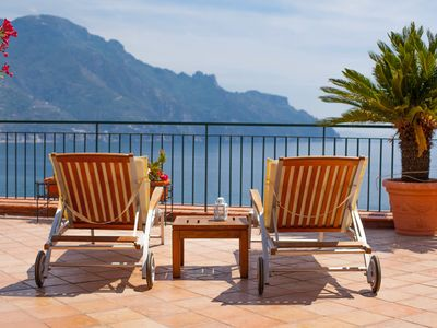 Photo for Villa Paradiso, excellent spacious apartment with fantastic views