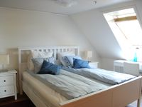 Lovely, comfortable home with views of Bryggen and harbor