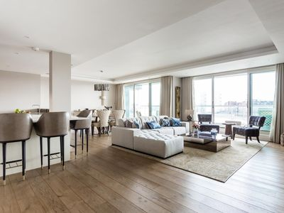 Photo for Chelsea Crescent - luxury 2 bedrooms serviced apartment - Travel Keys