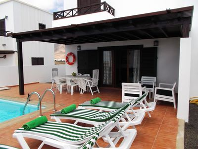 Photo for Private villa with terrace and pool near Marina Rubicon