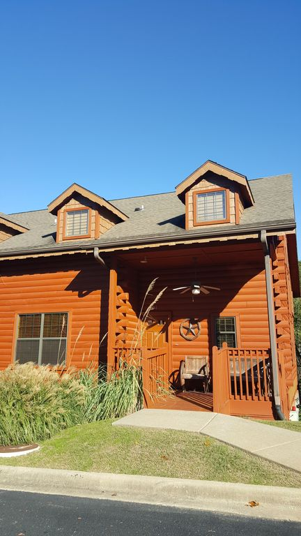 Rustic 3 Bedroom Log Cabin! Excellent Rates! Cabins At