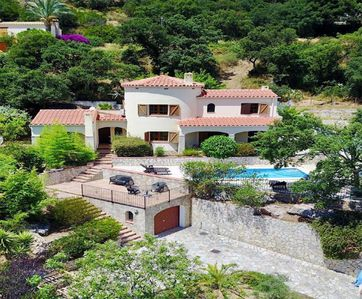 Photo for Wonderfull large villa with swimming pool
