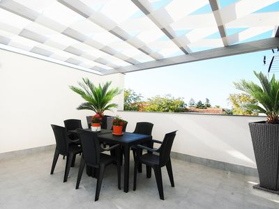 Photo for wonderful villa a few steps from the sea with terrace and garden, 6 beds
