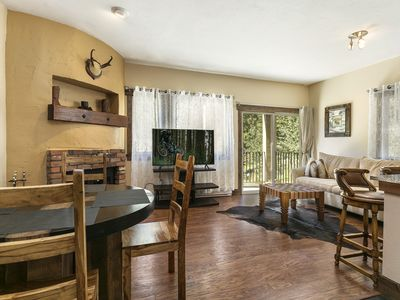 Photo for Entire 1BR apt, Sleeps 4, Wi-Fi, Close to Slopes