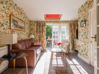 Photo for Spacious 2BR Garden Flat in Parsons Green