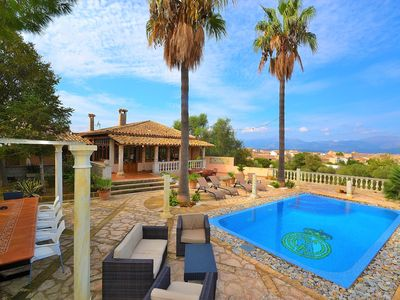 Photo for Muro villa with swimming pool surrounded by nature near the bay 187