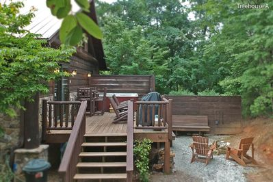 Treehouse-A-new-firepit