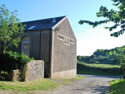 Photo for THORNE CHAPEL, pet friendly, with a garden in Pembroke, Ref 941182