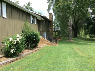 Side yard perfect for Badminton