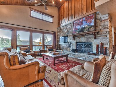 Photo for DV Lookout 4 Bdrm, 4.5 Bath Sleeps 14 with Hot Tub, Community Shuttle to Ski