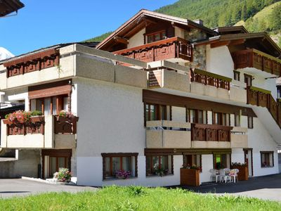 Photo for Apartment Haus Quelle (SGD130) in Saas-Grund - 6 persons, 2 bedrooms